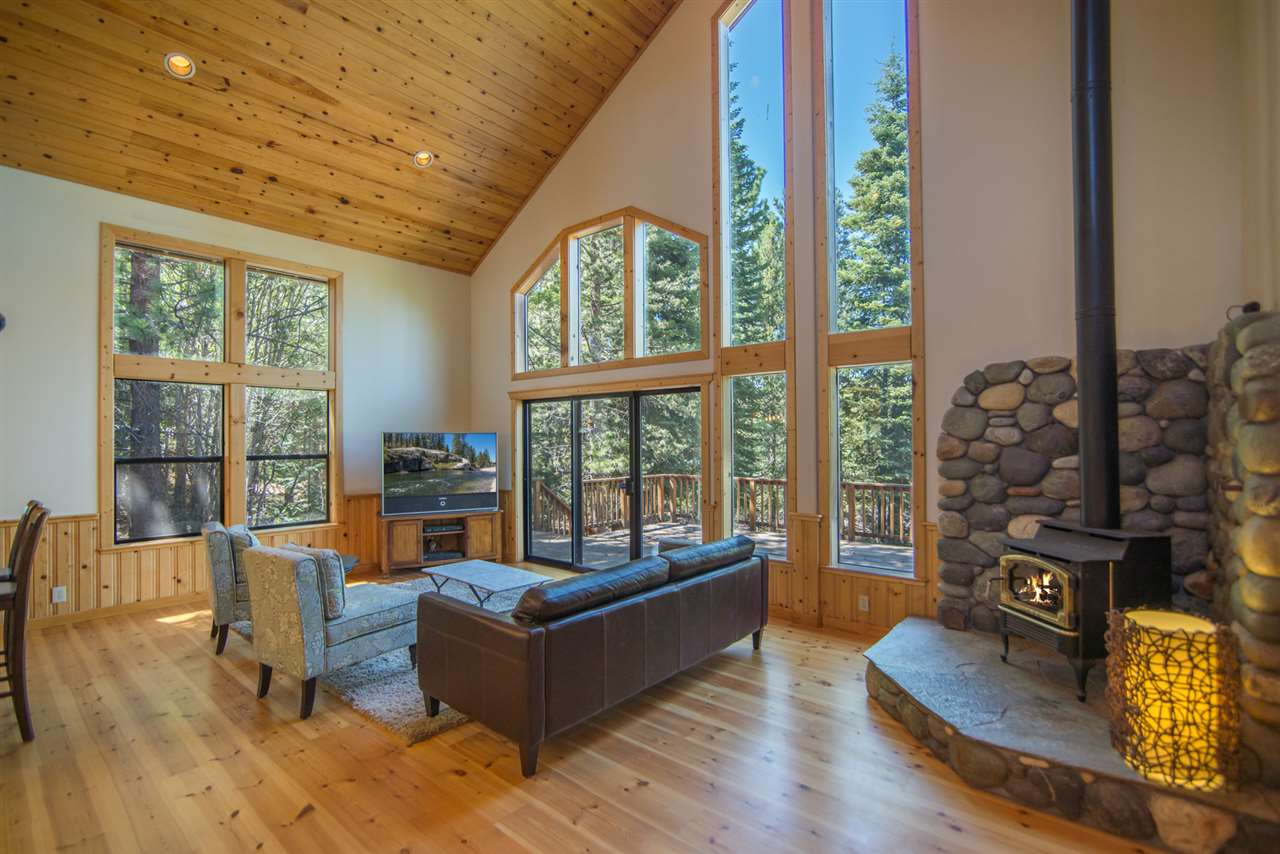 12306 Viking Way, Truckee, CA 96161