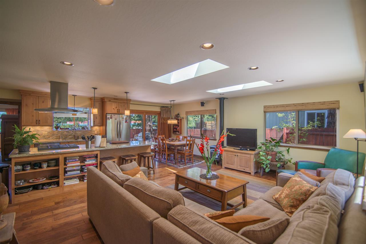 10858 Manchester Drive, Truckee, CA 96161