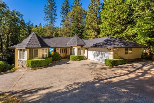 12554 Francis Dr, Grass Valley, CA 95949