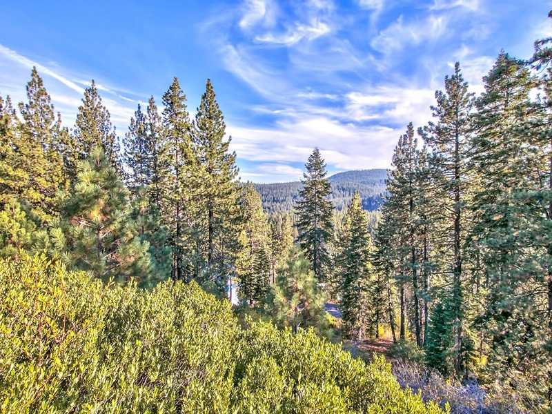 12615 E Sierra Dr, Truckee, CA 96161