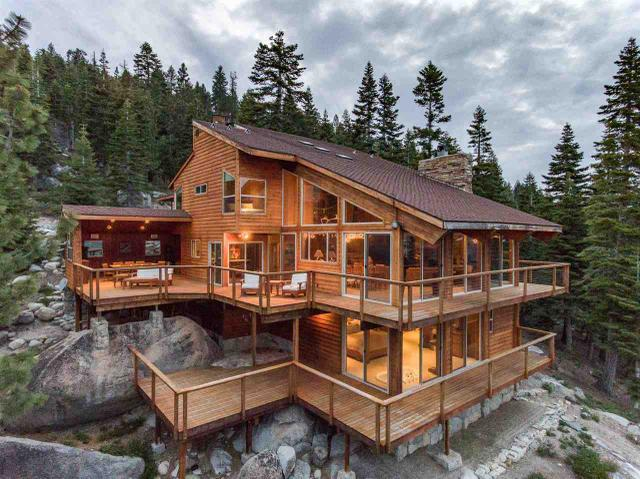 9019 Crest Dr, South Lake Tahoe, CA 96150