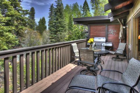 300 W Lake Blvd #100, Tahoe City, CA 96145
