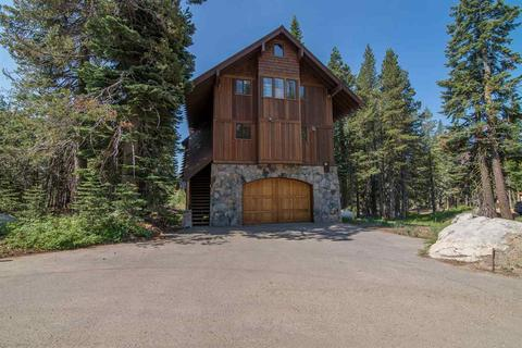 8495 Hillside Dr, Soda Springs, CA 95728