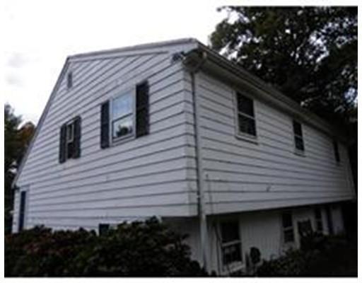 25 Quaker Rd, Carver MA 02330