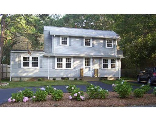 21 Pinewood Rd, West Yarmouth MA 02673