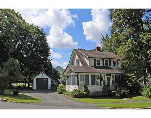 126 Maple St, Greenfield MA 01301