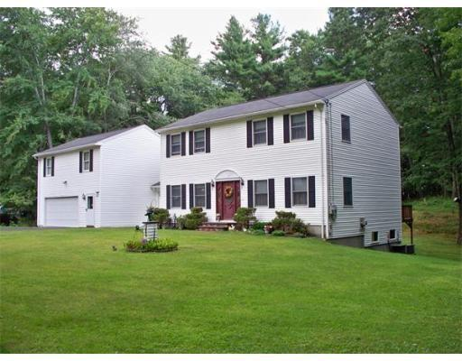 137 Dudley Rd, Oxford MA 01540