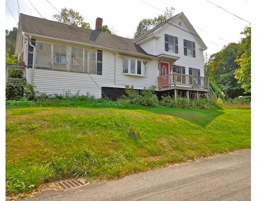 21 Warren St, North Brookfield MA 01535