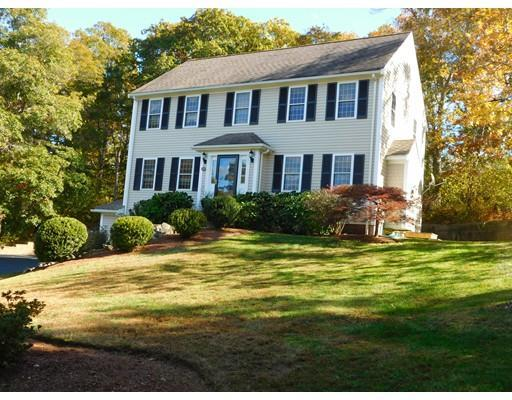 12 Weeks Pond Dr, Forestdale MA 02644