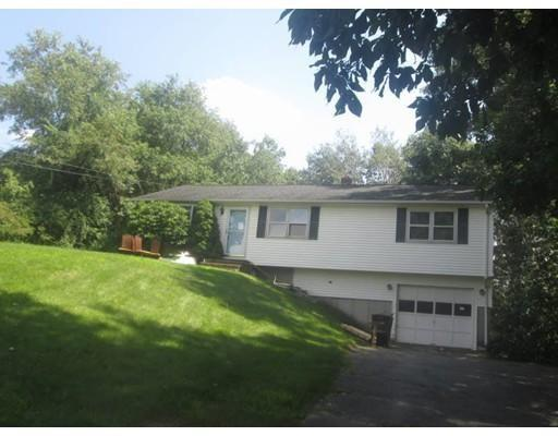 4 Hillcrest Dr, Oxford MA 01540