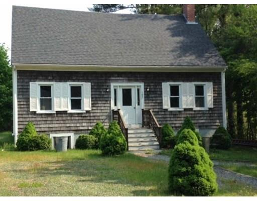 182 Plymouth St, Carver MA 02330