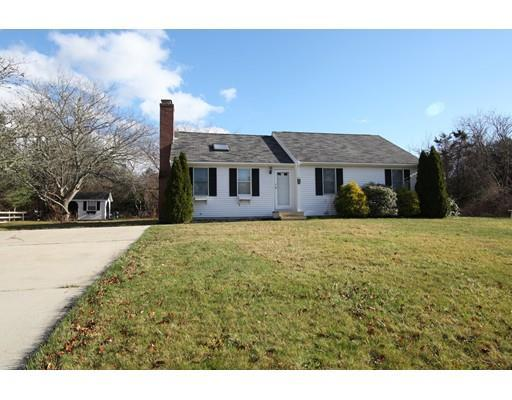 49 Meadow View Dr, East Falmouth MA 02536