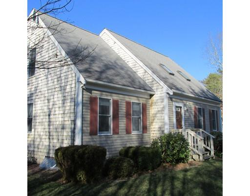 6 Pickerel Way, Forestdale MA 02644