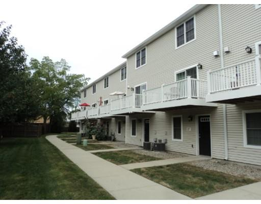 31 Regency Ct #APT 31, Chicopee MA 01020
