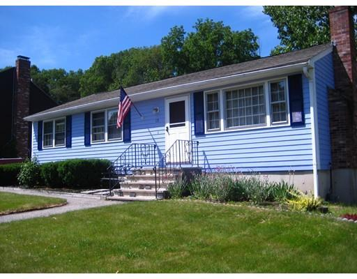 15 Carriage Dr, Lowell MA 01852