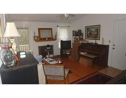 5 Thoreau Ct #APT 22, Natick MA 01760