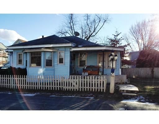 9 Pendexter Ave, Chicopee MA 01013