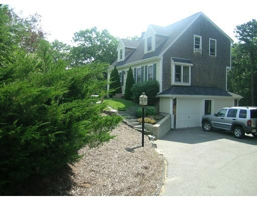 8 Donna Dr, Plymouth MA 02360