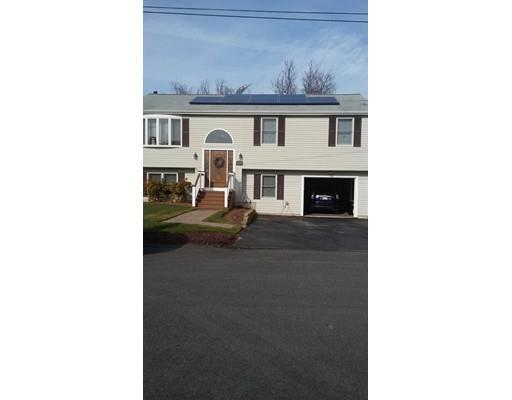 52 Family Dr, Fall River MA 02721