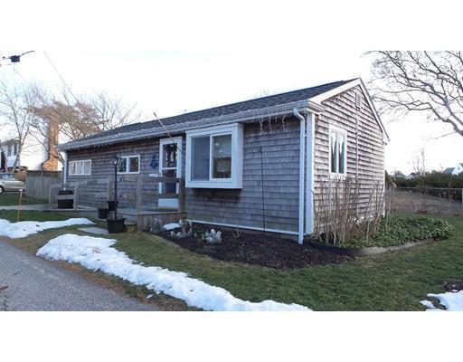 26 Palmer St, South Dartmouth MA 02748