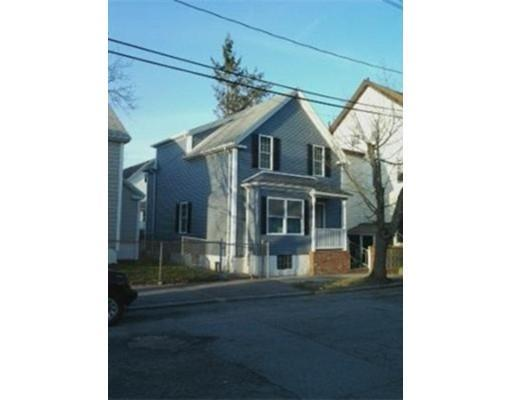 65 Larch St, New Bedford MA 02740