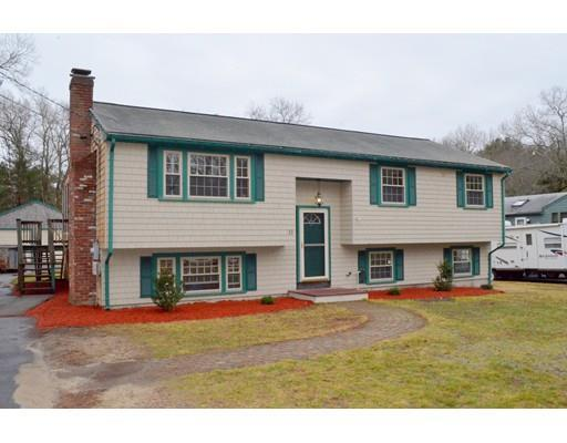 13 Lamplighters Ln, Plymouth MA 02360