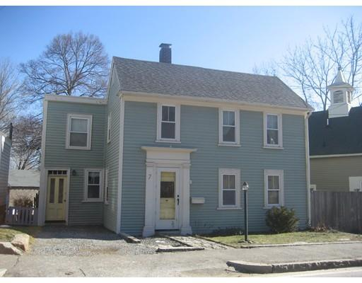7 Granite St, Rockport MA 01966