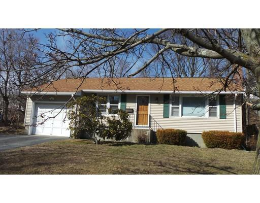 9 Pompano Rd, Worcester MA 01605