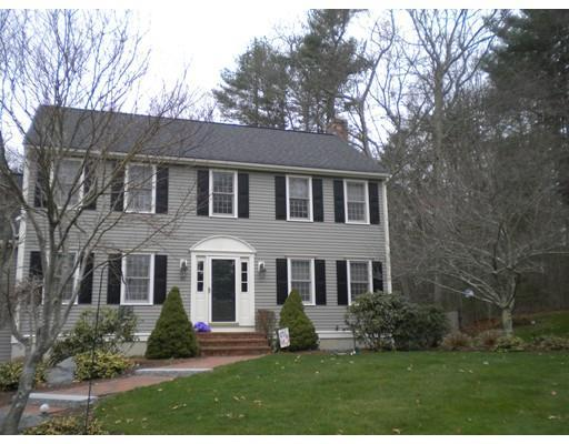 8 Colonial Dr, Bridgewater MA 02324