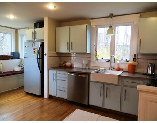 212 Court St, New Bedford MA 02740