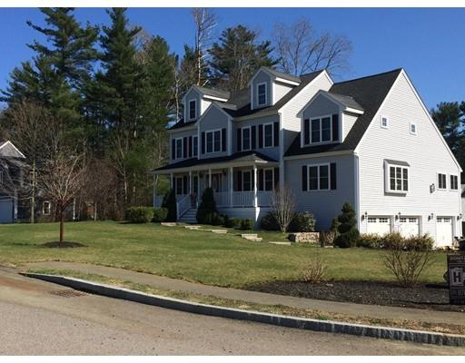 21 Christopher Ln, Hanson MA 02341