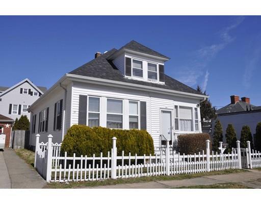 11 Hollyhock St, New Bedford MA 02740