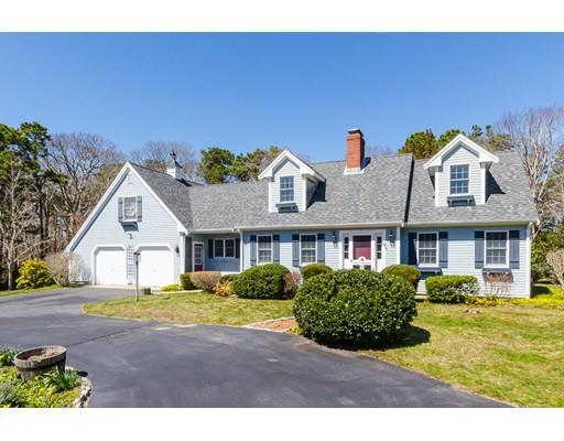 19 Commodore Ln, East Falmouth MA 02536