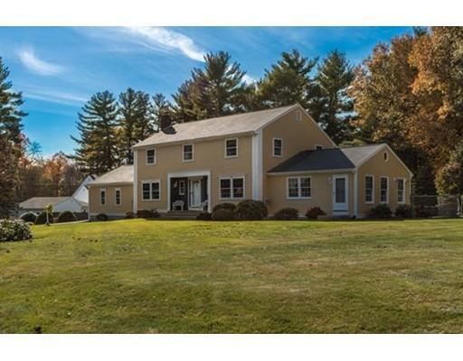 4 Mary Dr, Mendon MA 01756