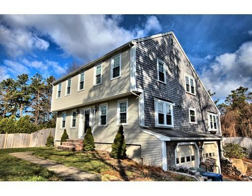 120 N Triangle Dr, Plymouth MA 02360