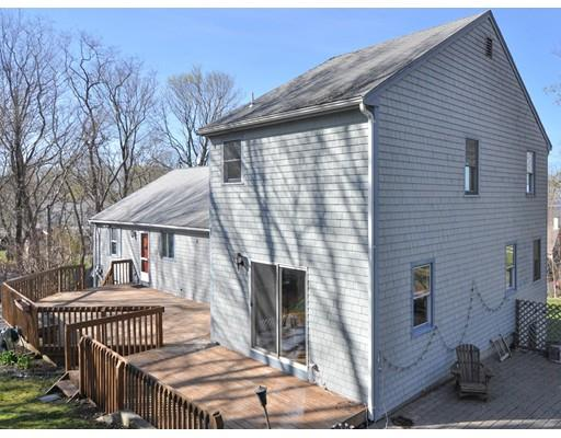 4 Nook Rd, Plymouth, MA