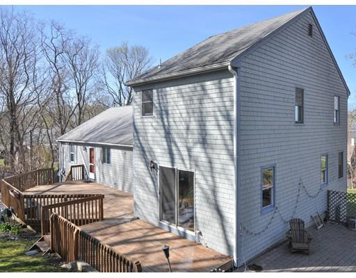 4 Nook Rd, Plymouth MA 02360