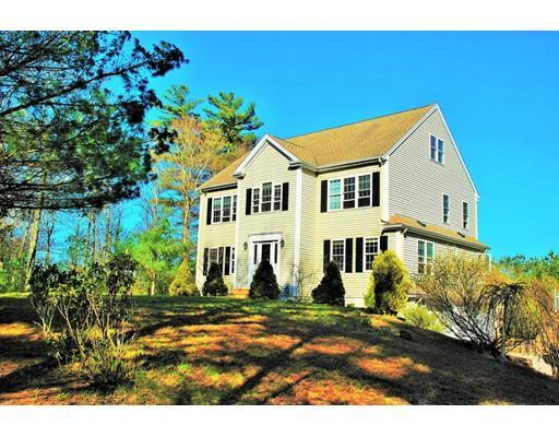 74 Watercourse Rd, Plymouth MA 02360