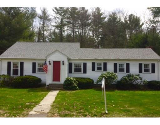 8 Lakeview Rd, Foxboro MA 02035