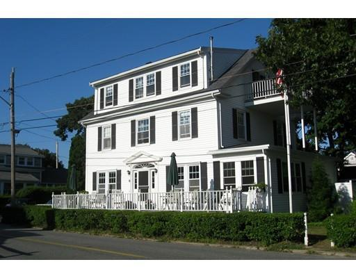 6 Central Park Ave, Falmouth MA 02540