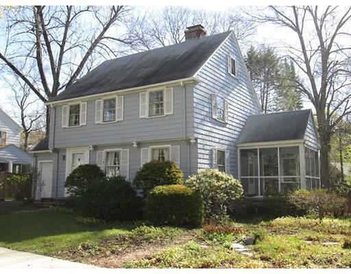 2 Saxon Rd, Worcester MA 01602