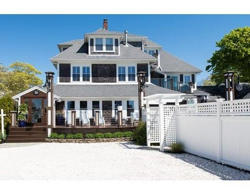 16 Massachusetts Ave, Falmouth MA 02540