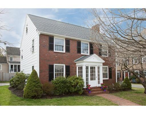 41 Thompson Ln, Milton MA 02186