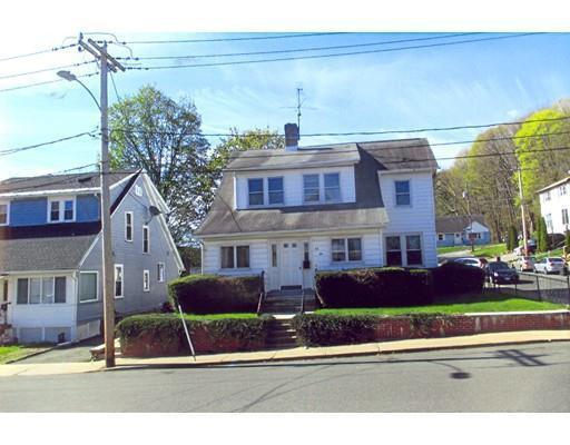 78 Elmwood Ave, Holyoke, MA