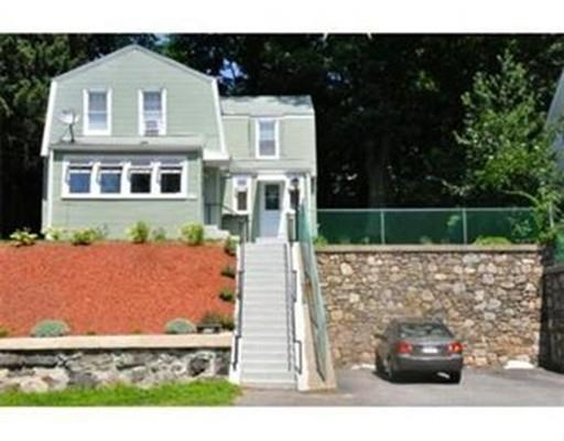 579 Chandler St, Worcester MA 01602