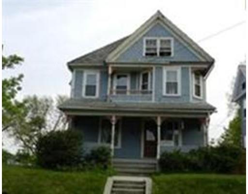 94 Beacon Ave, Holyoke MA 01040
