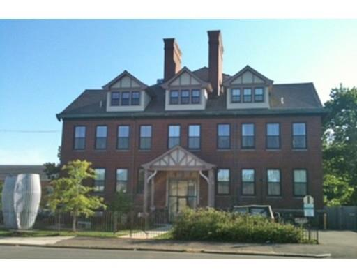 220 Spencer Ave #APT 204, Chelsea MA 02150