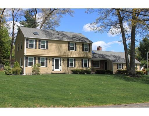 17 Big Wood Dr, Westfield MA 01085