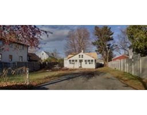 25 Roanoke Ave, West Springfield MA 01089
