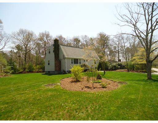54 Plum Hollow Rd, East Falmouth, MA